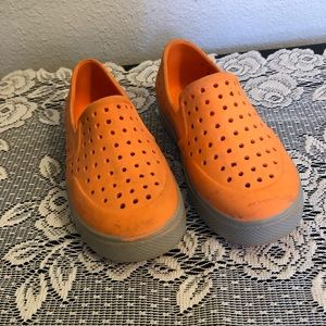 Gap toddlers water shoes